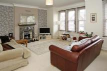 Flat to rent in Valley Road, London, SW16