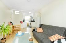 2 bed Flat to rent in Upper Tooting Park...
