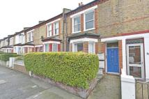 Flat to rent in Wingford  Road, London...