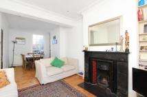 3 bedroom property to rent in Elm Park, London, SW2