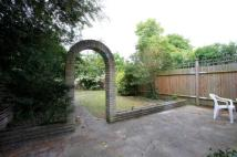 2 bed home in Drakefield Road, London...