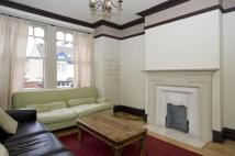 4 bed Flat to rent in Badminton Road, London...