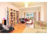 1 bedroom house in Doverfield Road, London...