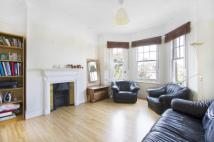 2 bed Flat to rent in Marius Mansions...