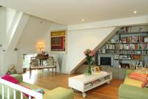 3 bed home in Radbourne Road, London...