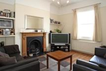 1 bedroom Flat in Ramsden Road, London...