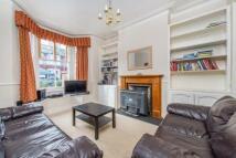 3 bedroom house in Hydethorpe Road, London...
