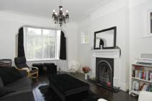 Flat to rent in Clairview Road, London...