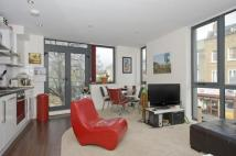 Flat to rent in Stockwell Road, London...