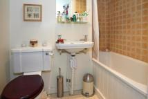 2 bedroom Flat in Oval Mansions, Oval...