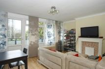 3 bedroom Flat to rent in Cooks Road, SE17
