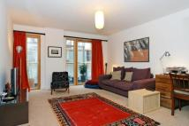 2 bedroom Flat in Oyster Court...