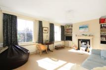 Sutherland Square Flat to rent