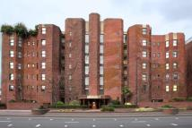 Riverside Court Flat to rent