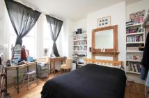 Flat to rent in Parkhouse Street...