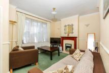 2 bed home in Manchester Grove, London...