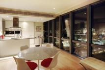 2 bed Flat in One West India Quay...