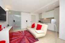 2 bed Flat in Seacon Tower...