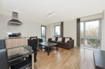 Flat in Warwick Apartments...