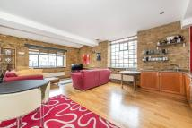2 bed Apartment to rent in Gowers Walk, London, E1