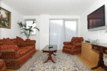 2 bedroom Flat in East Smithfield, London...