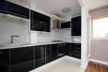 2 bedroom property in Cable Street, E1