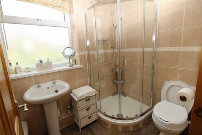 Ground Floor Shower Room/wc