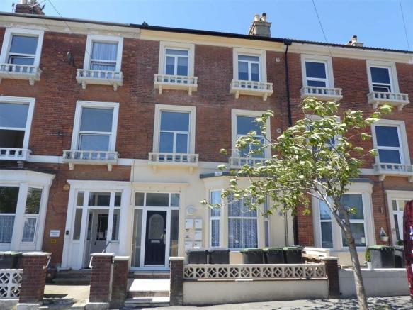 1 Bedroom Apartment For Sale In Dorchester Road Weymouth Dorset Dt4