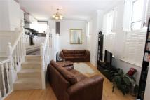 Flat in The Ridgeway, Enfield...