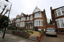 3 bedroom End of Terrace house to rent in Conway Road, Southgate...