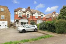 Flat for sale in Wellington Road...