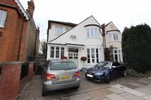 4 bedroom semi detached house in Hurst Road...