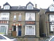 Flat to rent in St Andrews Road, Enfield...