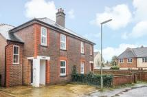 semi detached house to rent in Guildford