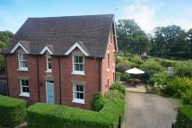 Detached house in Chiddingfold