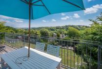 4 bed Detached house for sale in Carisbrooke...