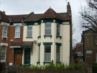 Maisonette to rent in Lordship Lane...