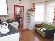 Flat to rent in Gladstone Avenue, N22