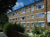 3 bedroom Flat for sale in Woodridings Court...