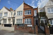 2 bed Flat to rent in Lascotts Road...
