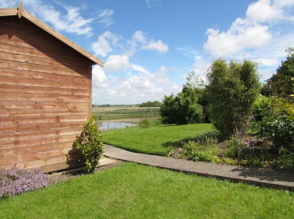 Summerhouse & Garden