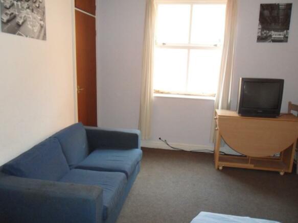 Main living area(2)