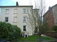 Flat to rent in Donnington Square...