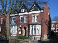 Flat to rent in Oakwood Avenue, Leeds...