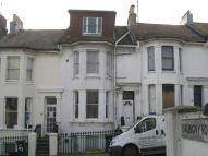 Apartment in Roundhill Crescent...