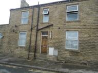 Flat to rent in Bradford Road...