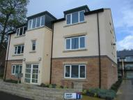 2 bed Flat to rent in Savoy Court, Stannngley...