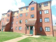 Flat to rent in Lewisham Court, EN3