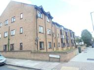Flat to rent in Coverdale Court, EN3