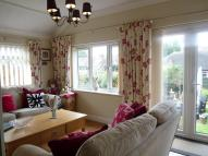 2 bed Detached Bungalow in Swallow Gardens, Carlton